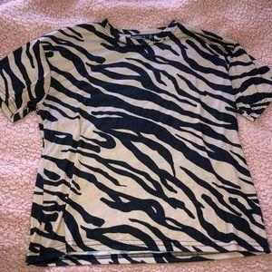 Boohoo Petite T-Shirt